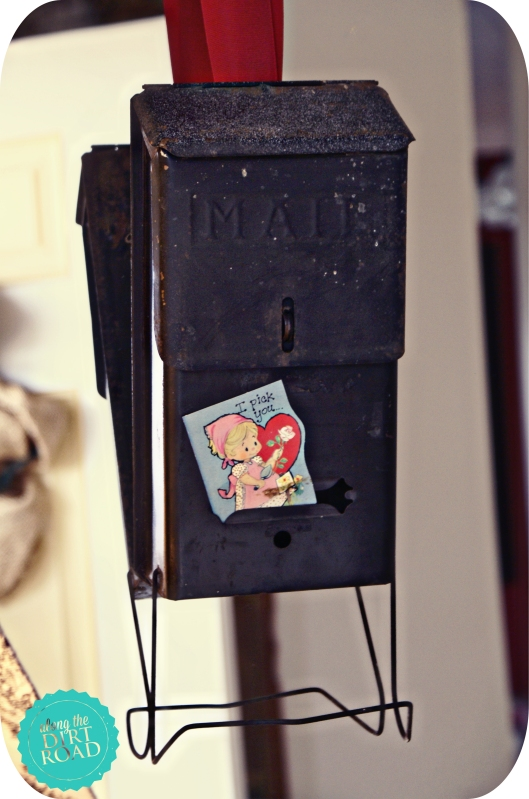 I've had this little mailbox for quite a while.  It came in handy for this little project.