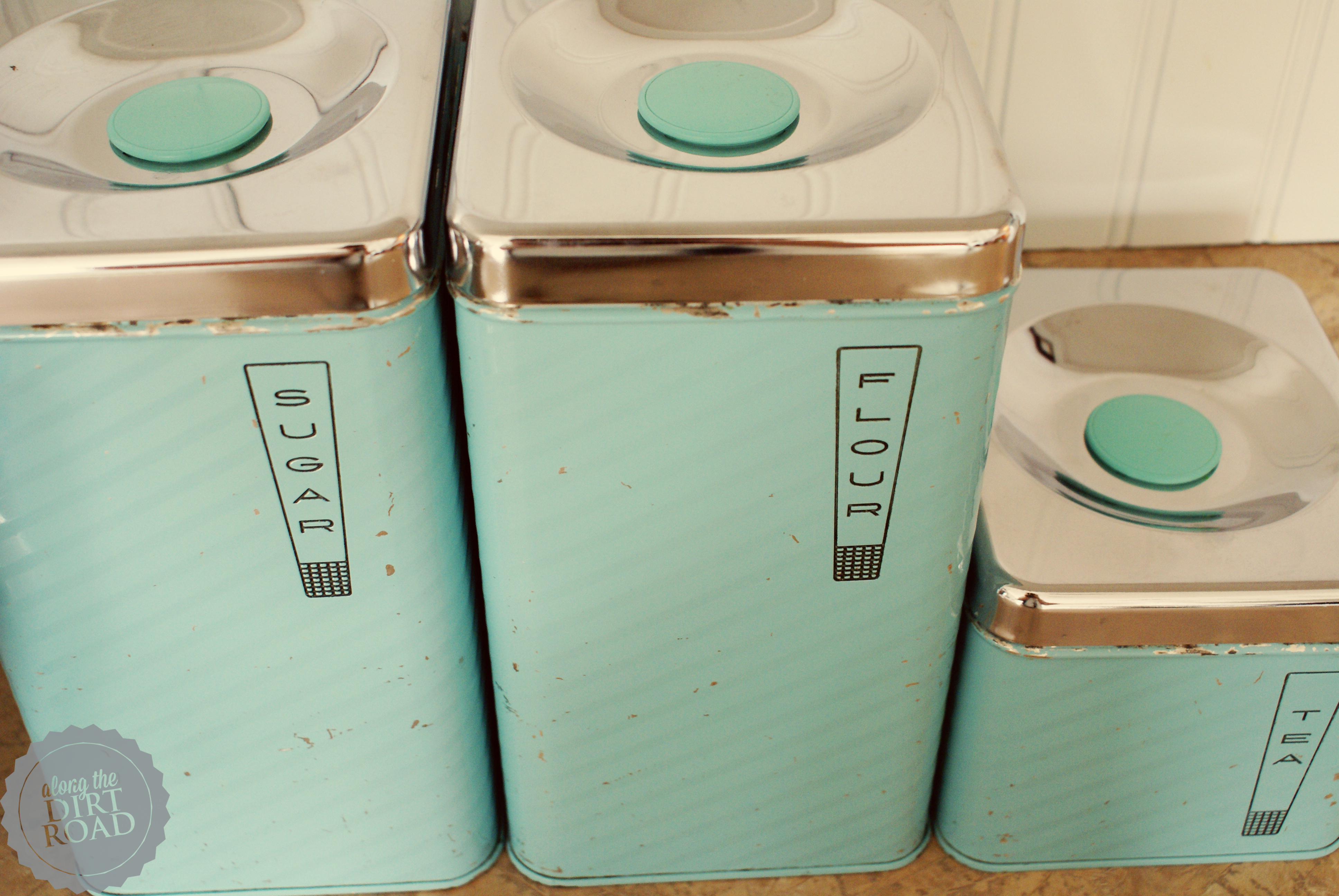 you enjoy gazing at the turquoise goodness today i cannot get enough of them when i find the perfect spoti will let you know i love our kitchen: stand kitchen dsc